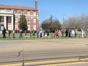 Movie scene filmed Saturday at county courthouse